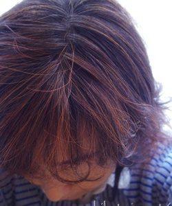 女性のつむじを隠す髪型